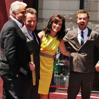 Jane Kaczmarek in Bryan Cranston Honored with Star on The Hollywood Walk of Fame - o-hurley-cranston-kaczmarek-paul-bryan-cranston-walk-of-fame-01