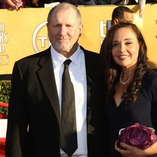 Ed O'Neill, Catherine Rusoff in The 18th Annual Screen Actors Guild Awards - Arrivals