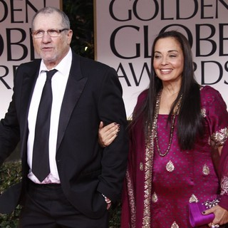 Ed O'Neill, Catherine Rusoff in The 69th Annual Golden Globe Awards - Arrivals