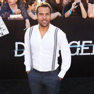 O-T Fagbenle in Premiere of Summit Entertainment's Divergent - Red Carpet Arrivals