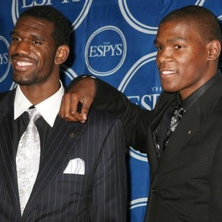 Greg Oden, Kevin Durant in The 2007 ESPY Awards - Press Room