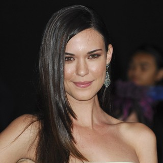 Odette Annable in Los Angeles Premiere of The Hunger Games - Arrivals