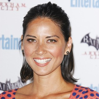 Olivia Munn - Comic Con 2011 Day 3 - Entertainment Weekly Party - Arrivals