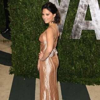 Olivia Munn in 2012 Vanity Fair Oscar Party - Arrivals