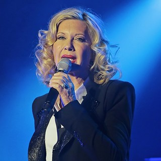 Olivia Newton-John in Olivia Newton-John Performing Live on Stage