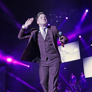 Olly Murs in Olly Murs Performing Live on Stage