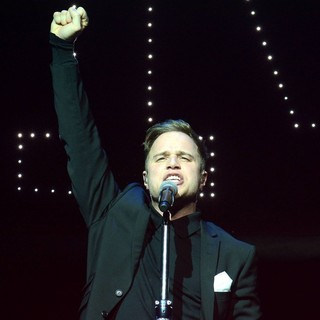 Olly Murs Performs
