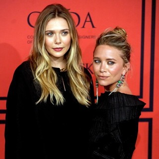 Elizabeth Olsen, Mary-Kate Olsen in 2013 CFDA Awards - Arrivals