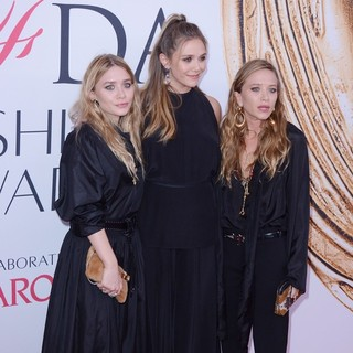 Mary-Kate Olsen, Elizabeth Olsen, Ashley Olsen in 2016 CFDA Fashion Awards - Red Carpet Arrivals