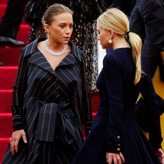Mary-Kate Olsen, Ashley Olsen in Charles James: Beyond Fashion Costume Institute Gala - Arrivals