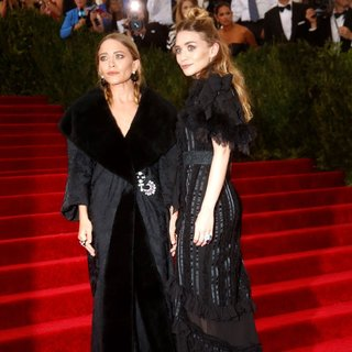 Mary-Kate Olsen, Ashley Olsen in China: Through The Looking Glass Costume Institute Benefit Gala - Red Carpet Arrivals