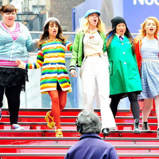 Lauren Zizes, Lea Michele, Heather Morris, Jenna Ushkowitz, Dianna Agron in On The Set of 'Glee'