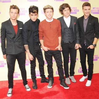 One Direction in 2012 MTV Video Music Awards - Arrivals