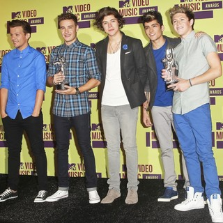 One Direction in 2012 MTV Video Music Awards - Press Room