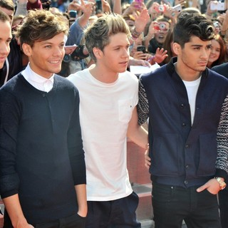 One Direction in BBC Radio 1's Teen Awards 2012 - Arrivals