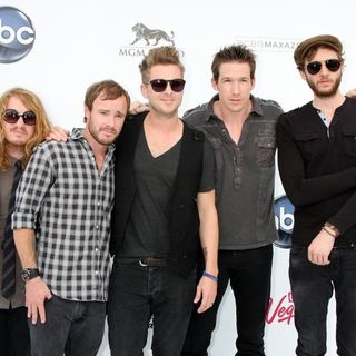 OneRepublic in The 2011 Billboard Music Awards - Arrivals