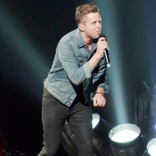 OneRepublic in KIIS FM's Jingle Ball 2012 - Show - onerepublic-jingle-ball-2012-show-02