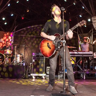OneRepublic - OneRepublic Perform Live
