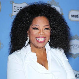 Oprah Winfrey in 6th Annual Essence Black Women in Hollywood Luncheon - oprah-winfrey-6th-annual-essence-black-women-in-hollywood-luncheon-02