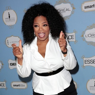 Oprah Winfrey in 6th Annual Essence Black Women in Hollywood Luncheon - oprah-winfrey-6th-annual-essence-black-women-in-hollywood-luncheon-05