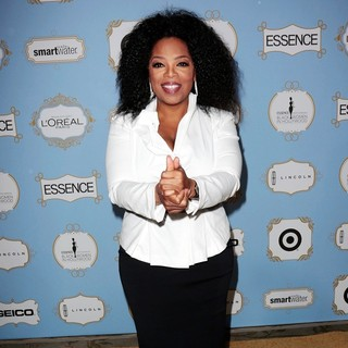 Oprah Winfrey in 6th Annual Essence Black Women in Hollywood Luncheon - oprah-winfrey-6th-annual-essence-black-women-in-hollywood-luncheon-06