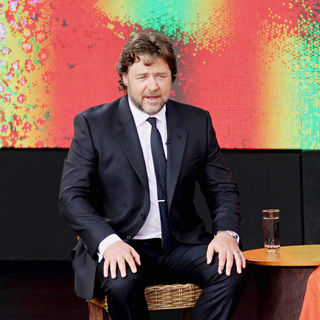 Russell Crowe in On Stage of 'Ultimate Australian Adventure' Show