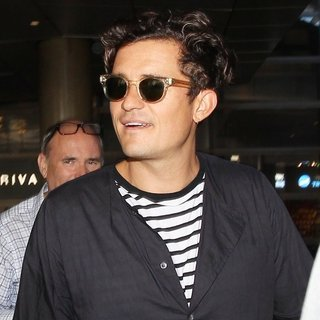 Orlando Bloom-Orlando Bloom Arrives at Los Angeles International Airport
