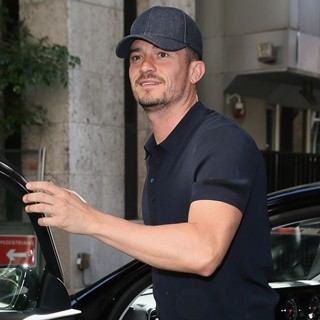 Orlando Bloom in Orlando Bloom and His Dog Mighty Seen at The Late Late Show