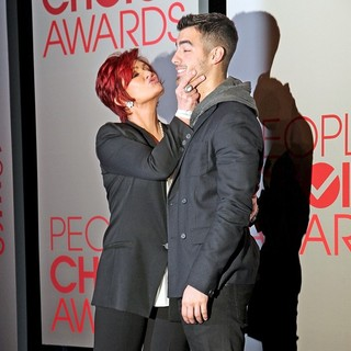 Sharon Osbourne, Joe Jonas in People's Choice Awards 2012 Nominations Press Conference