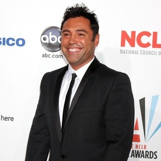 Oscar De La Hoya in 2009 ALMA Awards - Arrivals