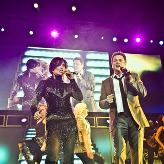 Marie Osmond, Donny Osmond in Donny Osmond and Marie Osmond Perform Live