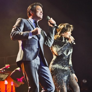 Donny Osmond, Marie Osmond in Donny Osmond and Marie Osmond Perform Live