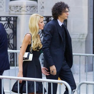 Howard Stern in Joan Rivers Memorial Service - ostrosky-stern-joan-rivers-memorial-service-01