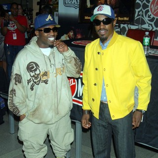 OutKast in OutKast Promoting and Signing Their CD Idlewild
