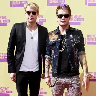 Chord Overstreet, Nash Overstreet in 2012 MTV Video Music Awards - Arrivals