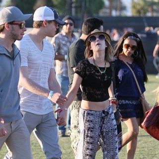 Chord Overstreet, Emma Roberts in Celebrities at The 2012 Coachella Valley Music and Arts Festival -  Day 2