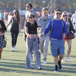 Emma Roberts, Chord Overstreet in Celebrities at The 2012 Coachella Valley Music and Arts Festival -  Day 2