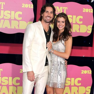 Jake Owen, Lacey Buchanan in 2012 CMT Music Awards