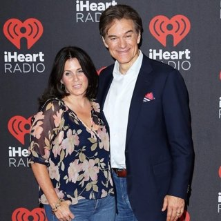 Lisa Oz, Dr. Mehmet Oz-2016 iHeartRadio Music Festival - Arrivals
