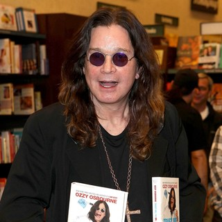 Ozzy Osbourne in Ozzy Osbourne at His Booksigning for Trust Me, I'm Dr. Ozzy