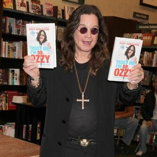 Ozzy Osbourne at His Booksigning for Trust Me, I'm Dr. Ozzy