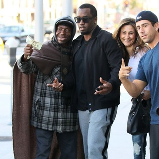 P. Diddy - P. Diddy Outside Il Pastaio Restaurant