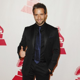 Pablo Alboran in 2011 Latin Recording Academy Person of The Year Tribute to Shakira