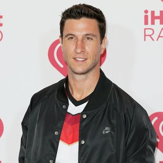 Pablo Schreiber in iHeartRadio Music Festival 2014 - Day 2 - Red Carpet