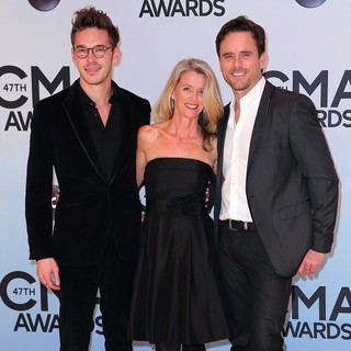 Sam Palladio, Patty Hanson, Charles Esten in 47th Annual CMA Awards - Red Carpet