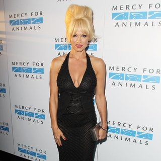 Pamela Anderson in Mercy for Animals' 15th Anniversary Gala - Arrivals