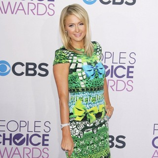 Paris Hilton in People's Choice Awards 2013 - Red Carpet Arrivals