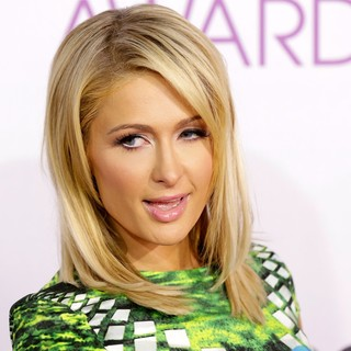 Paris Hilton - People's Choice Awards 2013 - Red Carpet Arrivals
