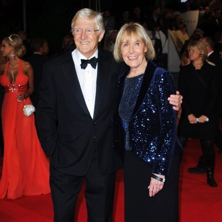 Michael Parkinson, Mary Parkinson in World Premiere of Skyfall - Arrivals