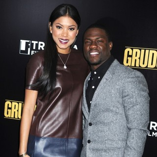 Eniko Parrish, Kevin Hart in Grudge Match New York Screening - Red Carpet Arrivals